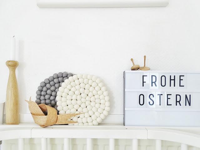http://mammilade.blogspot.de/2016/03/einblicke-in-unser-ostern-2016-und-karotten-apfelkuchen-mit-frosting.html