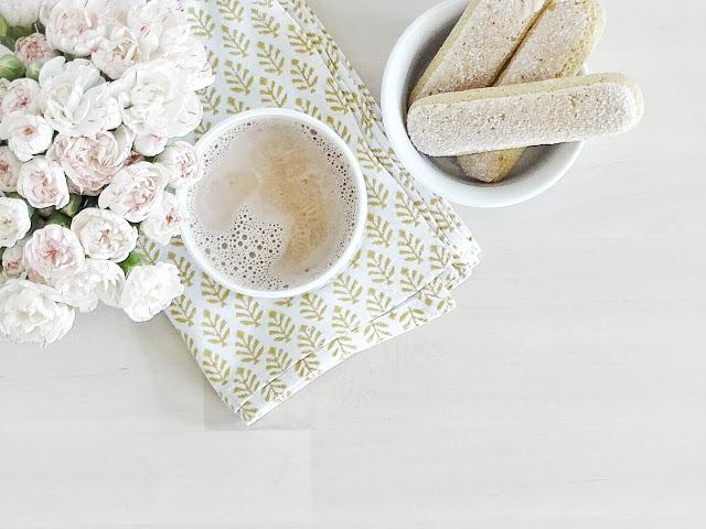 Auf der Mammilade|n-Seite des Lebens | Lifestyle Blog | Nelken | Spraynelken | heisser Kakao | Blumen