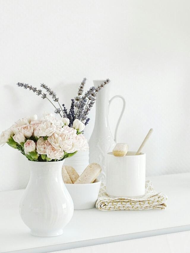 Auf der Mammilade|n-Seite des Lebens | Lifestyle Blog | Nelken | Spraynelken | Lavendel | Blumen
