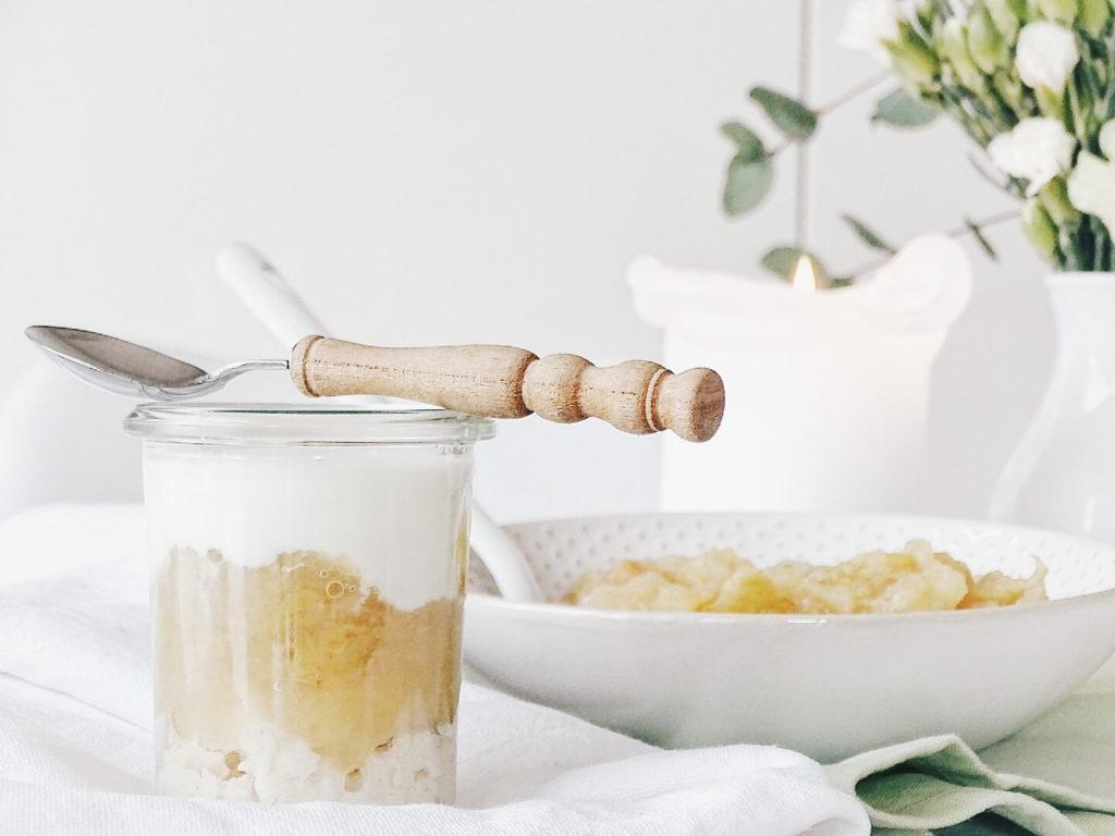 Auf der Mammilade|n-Seite des Lebens | Personal Lifestyle Blog | Einblicke ins Familienleben | 12von12 | Herbst | Äpfel Ideen Rezepte | Apfelmus Apfelkompott selbstgemacht | süße Schichtspeise mit Apfelmus | Frühstück | Dessert | Snack | gesund essen