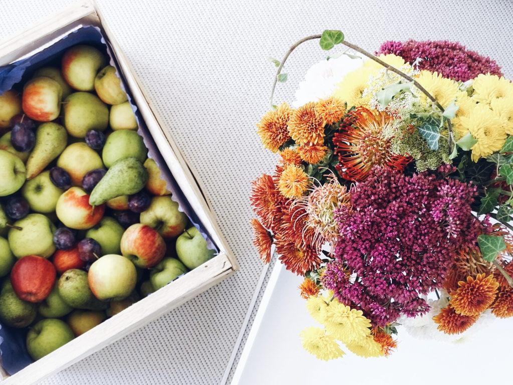 Auf der Mammilade|n-Seite des Lebens - Personal Lifestyle Blog - Herbst - Winter - Rezept - Apfelmuffins - Trifle mit Apfelmuffins, Joghurtcreme, Vanilleeis - Blumenstrauß - Dahlien - Herbstfarben - Herbstblumen - Astern