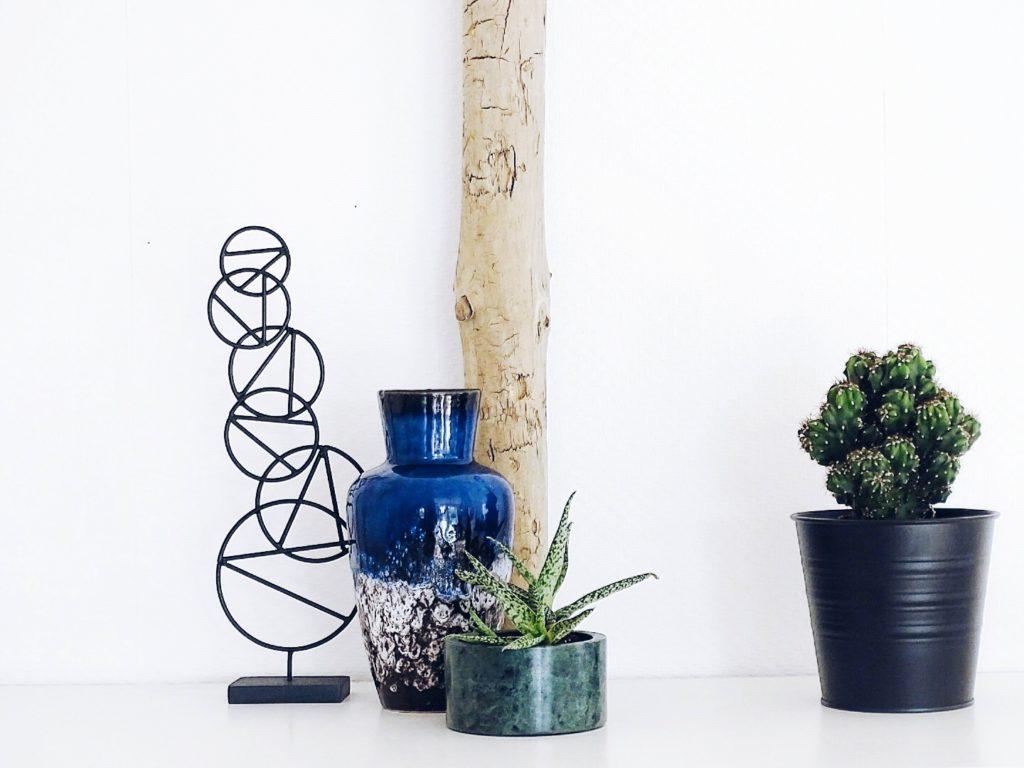 Auf der Mammilade|n-Seite des Lebens | Personal Lifestyle Blog | Kreativ mit Blumen und Pflanzen | Tipps für das Gestalten und Fotografieren von Stillleben | Urban Jungle Blogger | Desert Still Life | Sukkulenten | Vintage Vase | Wächtersbacher