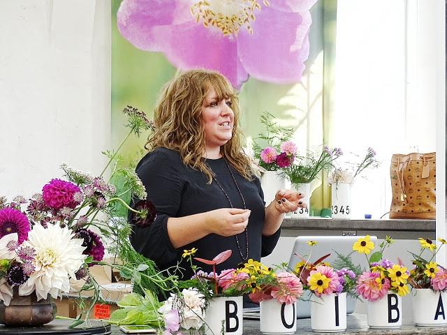 Auf der Mammilade n-Seite des Lebens   Personal Lifestyle Blog   Dahlien   Blumen Workshop München   Anastasia Benko   Callwey   BOIBA16   Design Letters   Blumensträuße