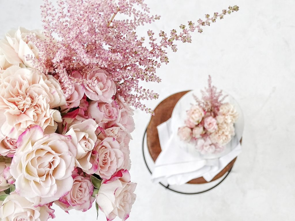 Auf der Mammilade|n-Seite des Lebens | Personal Lifestyle Blog | Kreativ mit Blumen und Pflanzen | Tipps für das Gestalten und Fotografieren von Stillleben | Blumen | Rosen | Nelken | Fotostudio