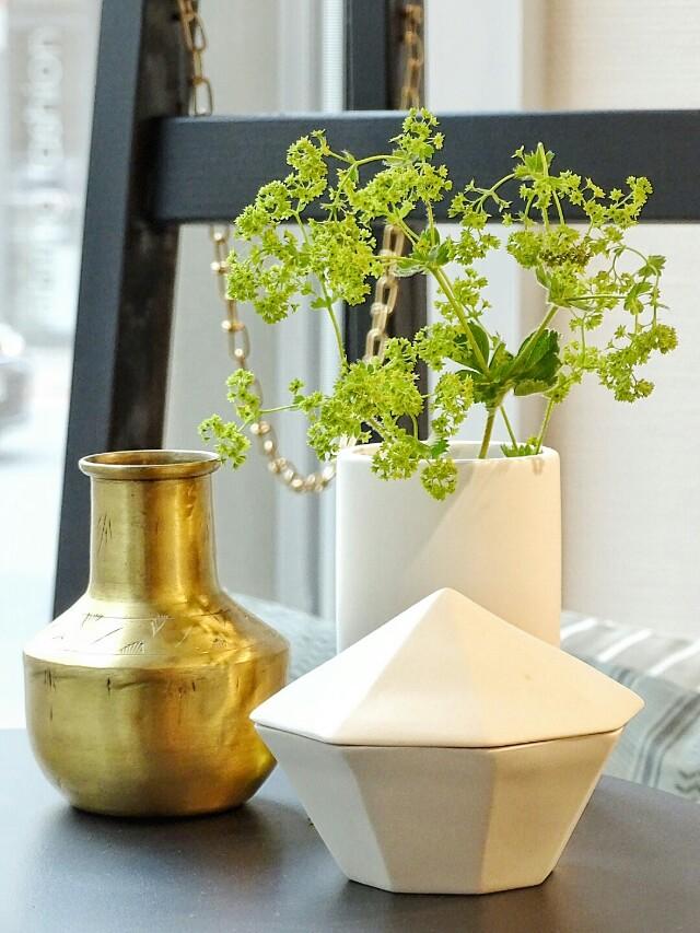 Auf der Mammilade|n-Seite des Lebens | Personal Lifestyle Blog | Shopvorstellung | Interview | Neue Bude Dortmund | Interior | Design | skandinavisches Design | monochrom | modern | Wohninspration | Porzellan Dose | Messing
