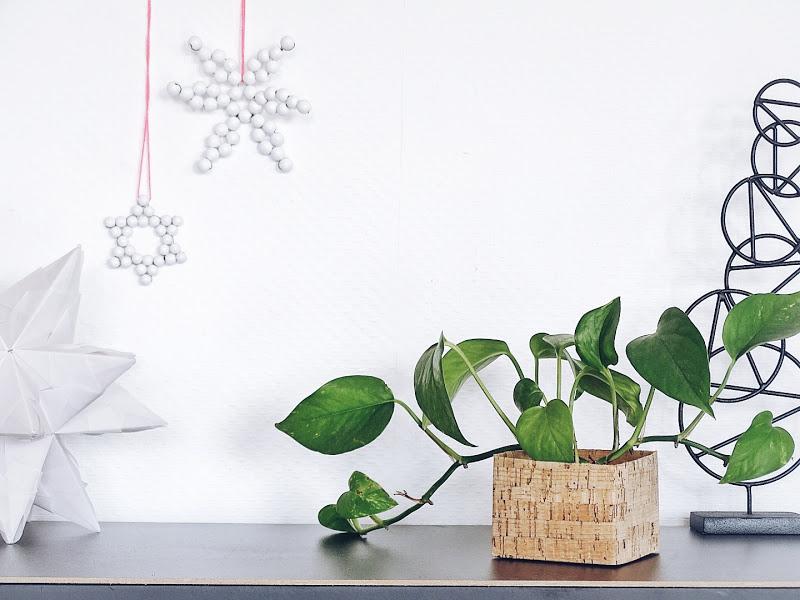 Auf der Mammiladen|n-Seite des Lebens | Personal Lifestyle Blog | Blumenübertöpfe selber aufhübschen mit Modeliermasse, durch Fingerstricken und mit Korkpapier | DIY Geschenkideen