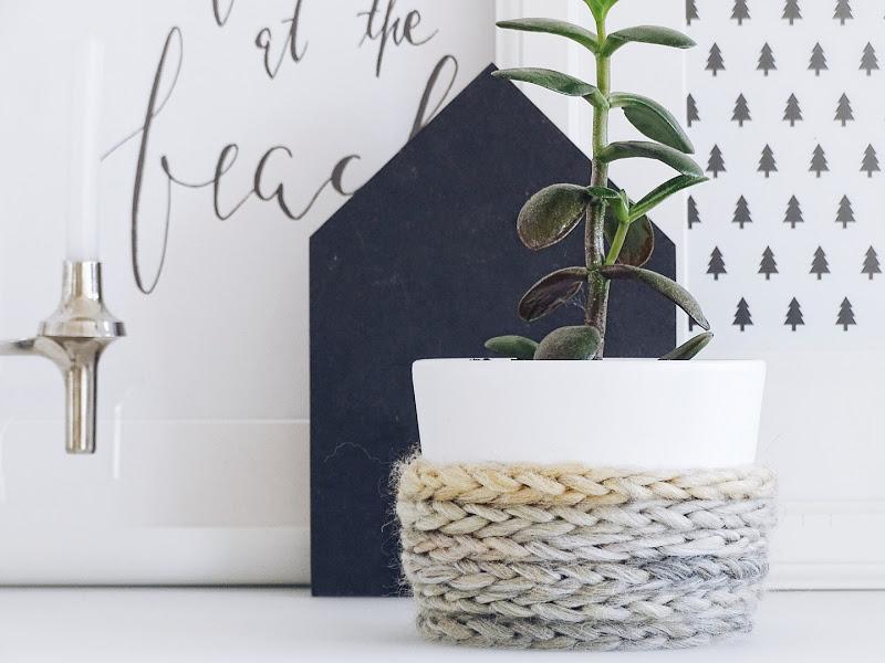 Auf der Mammiladen|n-Seite des Lebens | Personal Lifestyle Blog | Blumenübertöpfe selber aufhübschen mit Modeliermasse, durch Fingerstricken und mit Korkpapier | DIY Geschenkideen | Geldbaum