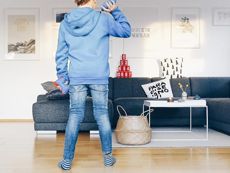 Auf der Mammiladen|-Seite des Lebens | Personal Lifestyle Blog | Familienleben | Wohnzimmer | Spielideen | Dosenwerfen