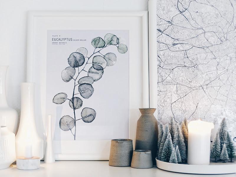Auf der Mammilade|n-Seite des Lebens | Personal Lifestyle Blog | 12 Wohn-, Lebens- und Familieneinblicke im Dezember | 12von12 | gerahmte Landkarte von London | Eukalyptus-Poster | Keramik