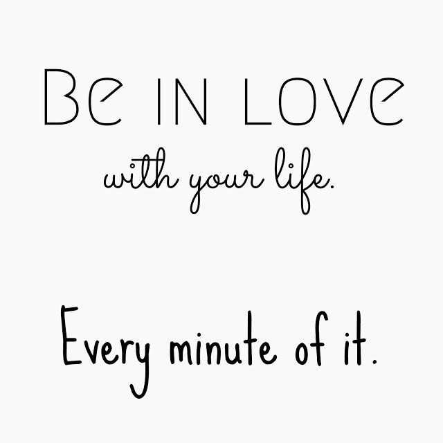 Auf der Mammilade|n-Seite des Lebens | Personal Lifestyle Blog | 17 Fragen für das Jahr 2017 | eine Mitmachaktion auf dem Blog und die Antworten | Sinnspruch - Be in love with your life. Every minute of it