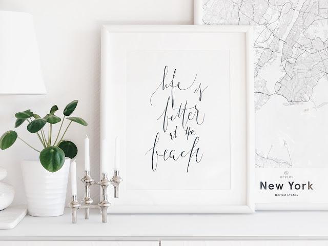 Auf der Mammiladen-Seite des Lebens | Personal Lifestyle Blog | Lieblinge und Inspirationen der Woche | Pilea Peperomioides | Life is better at the beach Poster | Karte New York Poster