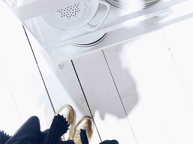 Auf der Mammiladen-Seite des Lebens | Personal Lifestyle Blog | Impressionen und Trends von der Internationalen Möbelmesse IMM 2017 in Köln | Messetouren mit SoLebIch und Blogst Lounge | String Furniture | goldene Schuhe
