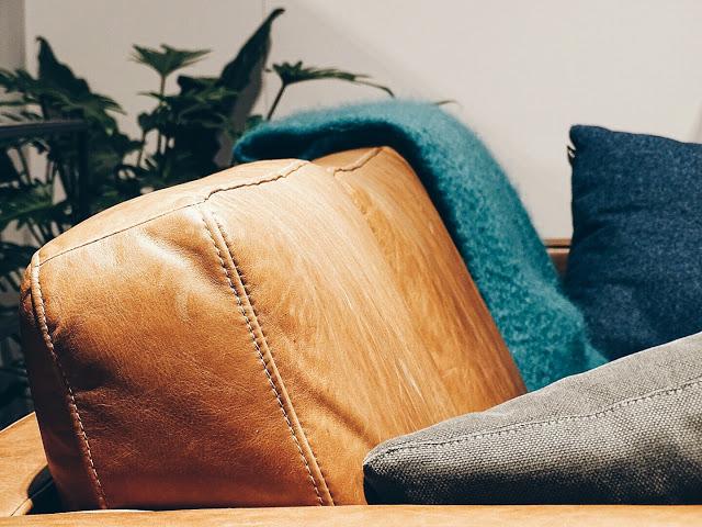 Auf der Mammiladen-Seite des Lebens | Personal Lifestyle Blog | Impressionen und Trends von der Internationalen Möbelmesse IMM 2017 in Köln | Messetouren mit SoLebIch und Blogst Lounge | Ledersofa Ethnicraft