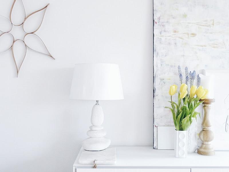 Auf der Mammilade-n-Seite des Lebens | Personal Lifestyle Blog | 5 Lieblinge, Weisheiten und Wohneinblicke mit viel Weiß der Woche | DIY Wandornament | gelbe Tupen | Frühblüher
