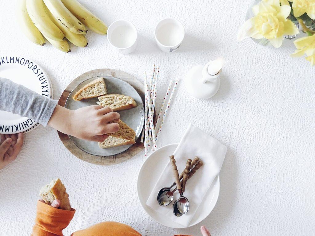Auf der Mammilade-n-Seite des Lebens | Personal Lifestyle Blog | 5 Lieblinge, Weisheiten und Wohneinblicke mit viel Weiß der Woche | Veganer, gesunder, zuckerarmer Bananenkuchen | Backen fuer und mit Kindern