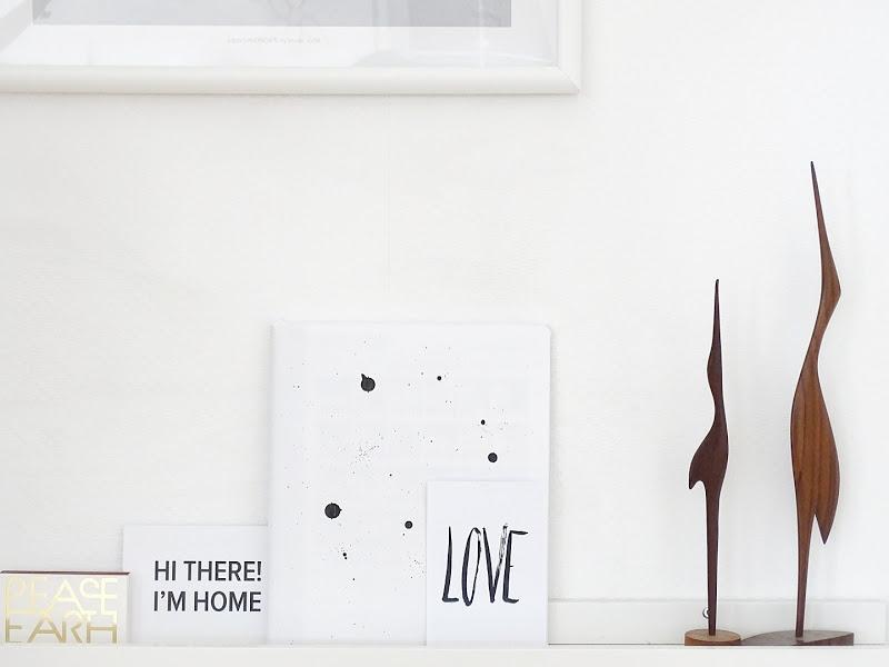 Auf der Mammiladen-Seite des Lebens | Personal Lifestyle Blog | Lieblinge und Inspirationen der Woche | Bücherleiste Dekoration in Schwarzweiß | Holzkranich Vintage