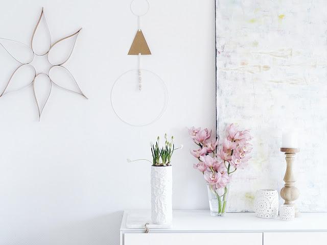 Auf der Mammilade-n-Seite des Lebens | Personal Lifestyle Blog | 5 Lieblinge, Weisheiten und Wohneinblicke mit viel Weiß der Woche | DIY mit Kraftpapier | weiße Perlhyazinthen | Orchideen in Rose