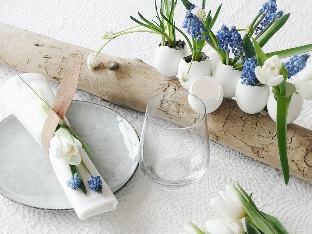 Auf der Mammilade|n-Seite des Lebens | Personal Lifestyle Blog | Lieblinge und Weiß|s|heiten der Woche | DIY Osterdeko, Tischdeko und Fruehlingsdeko | Eierschalen auf Holz als Vasen und Pflanzgefaesse fuer Fruehblueher