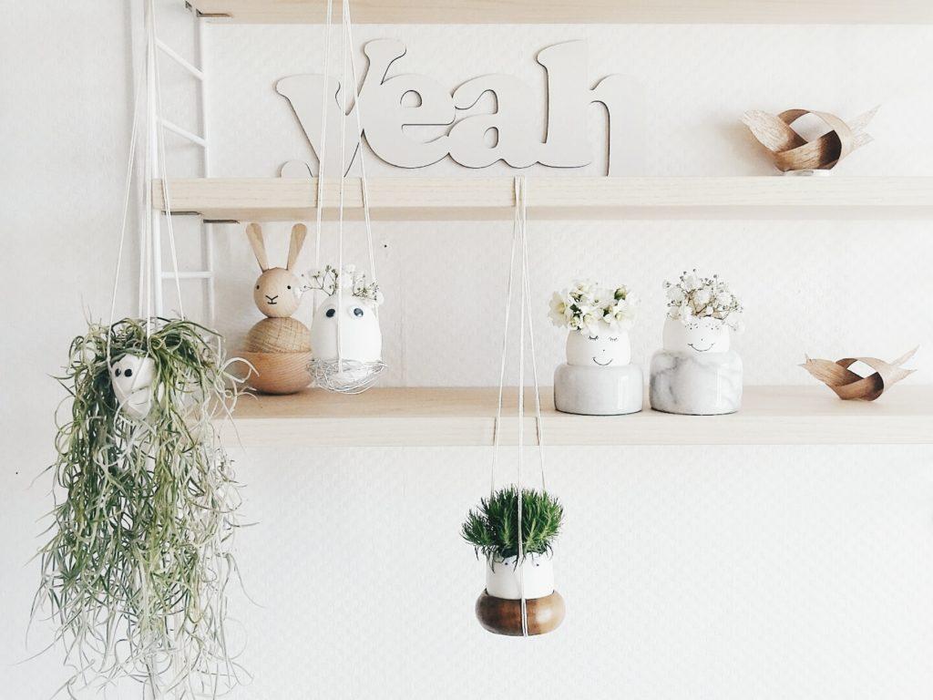 Auf der Mammilade|n-Seite des Lebens | Personal Lifestyle Blog | Lieblinge und Inspirationen der Woche #16 | DIY-Osterdeko | Fruehlingsdeko | Ostereier-Gesichter mit Louisianamoos, Tillandsien und Blumen als Haupthaar befuellt und dekoriert