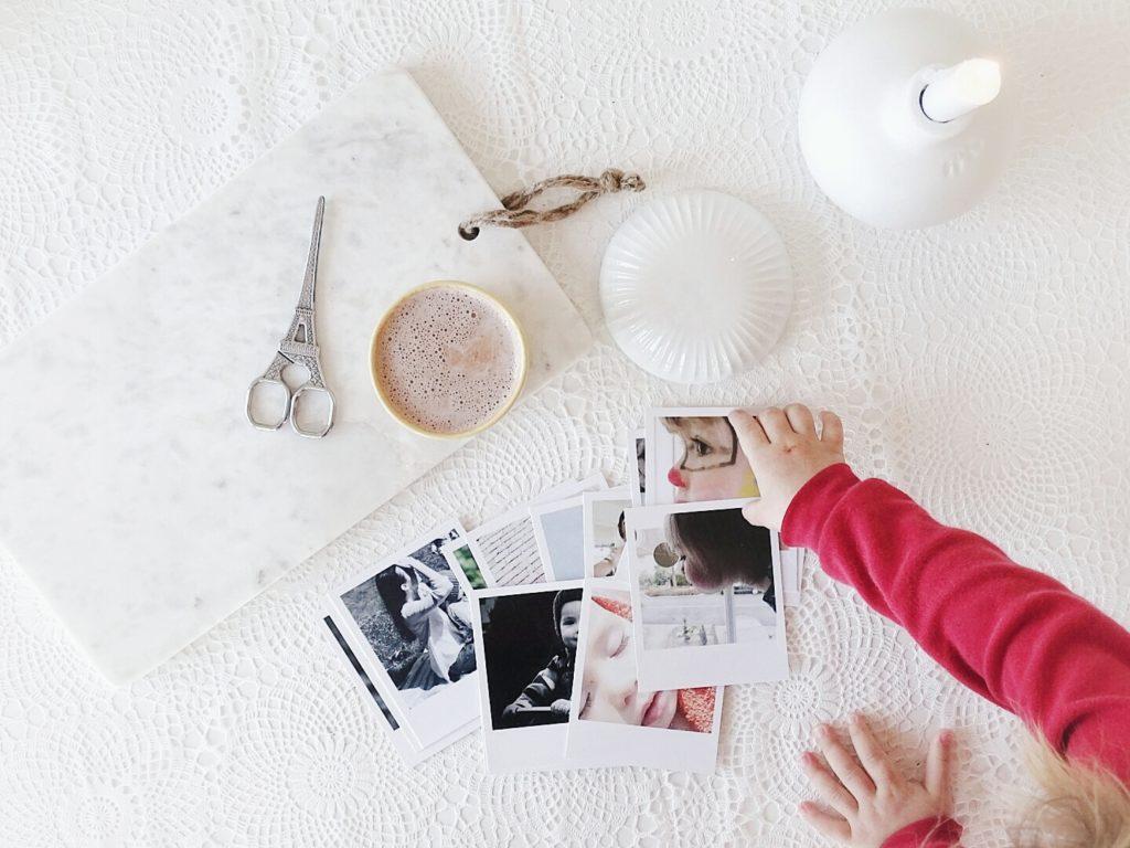 Auf der Mammilade|n-Seite des Lebens | A personal lifestyle and interior blog | Fotos auf Papier im Retro-Polaroid-Stil