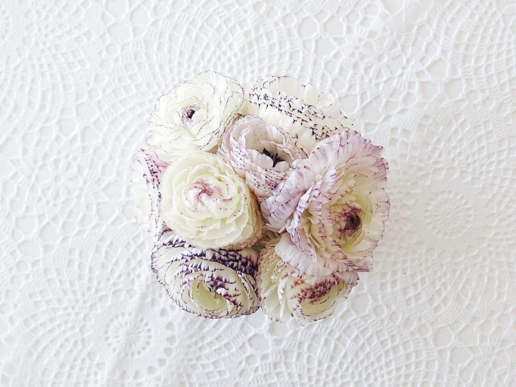 Ranunkeln in Weiß und Violett | Auf der Mammilade|n-Seite des Lebens | Personal Lifestyle und Interior Blog