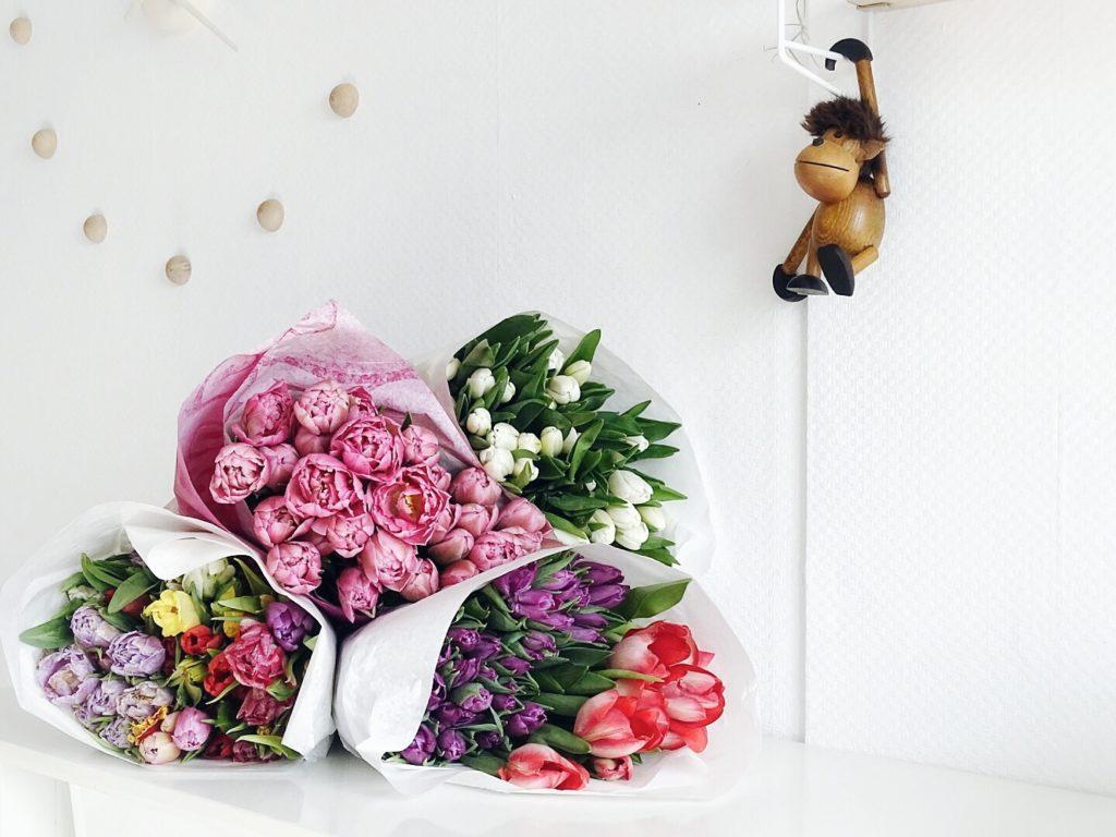 DIY-Ostereier-Vasen im Grasnest hängend für den Osterstrauch | bunte Tulpenmischung | Inspirationen | Personal Lifestyle, DIY and Interior Blog | Auf der Mammiladen-Seite des Lebens
