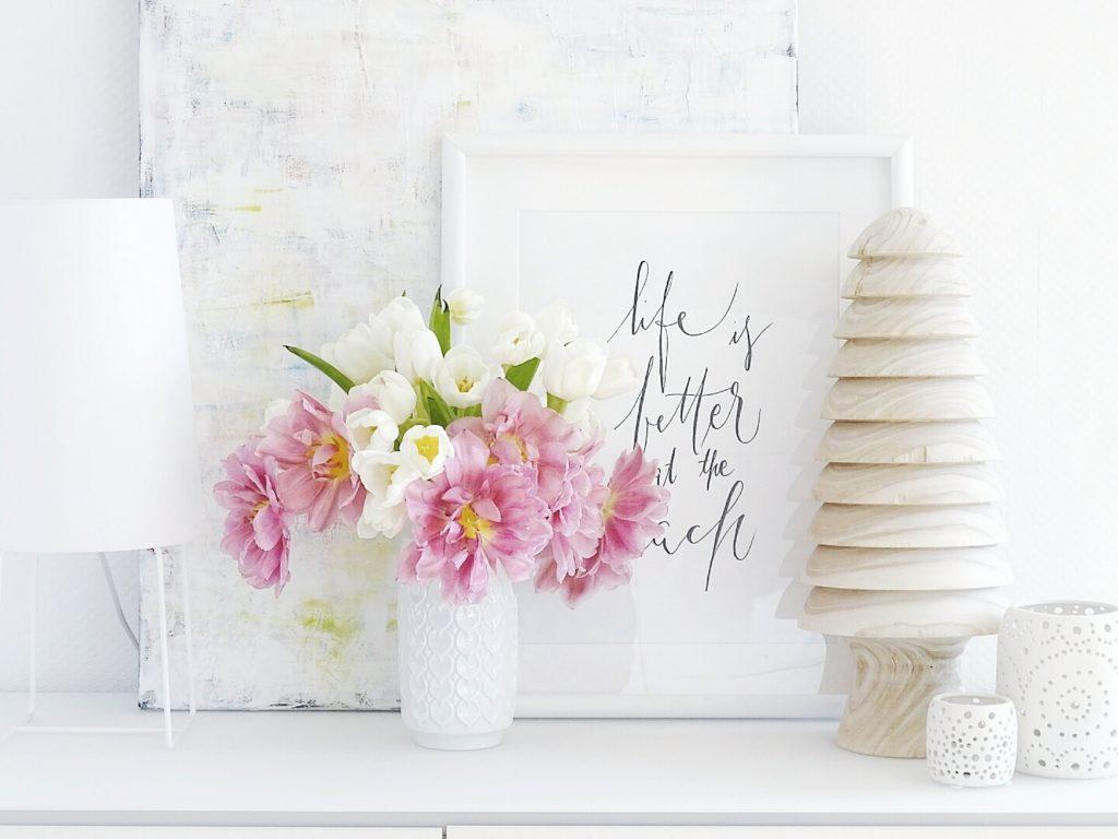 DIY-Ostereier-Vasen im Grasnest hängend für den Osterstrauch | Tulpen weiß und pink | Inspirationen | Personal Lifestyle, DIY and Interior Blog | Auf der Mammiladen-Seite des Lebens