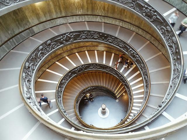 11 Tipps für entspanntes Sightseeing mit Kindern | Familien-Städte-Trip nach Rom | Wendeltreppe Vatikanisches Museum | Personal Lifestyle, DIY and Interior Blog | Auf der Mammiladen-Seite des Lebens