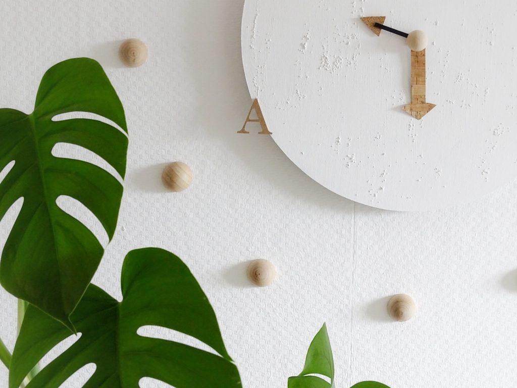 DIY-Wanduhr mit Kork und Holz auf runden Malkarton | www.mammilade.blogspot.de | Lieblinge und Inspirationen der Woche | Monstera