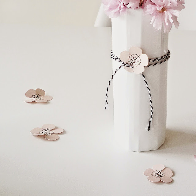 DIY Vasenhusse aus Pappe | Über das Bloggen ohne Nische plus Monatsblick April und Mail | Personal Lifestyle, DIY and Interior Blog | Auf der Mammiladen-Seite des Lebens