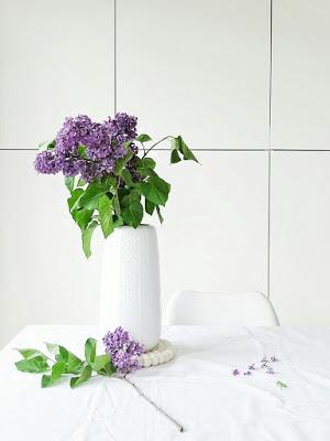 Flieder in der Vase | Über das Bloggen ohne Nische plus Monatsblick April und Mail | Personal Lifestyle, DIY and Interior Blog | Auf der Mammiladen-Seite des Lebens