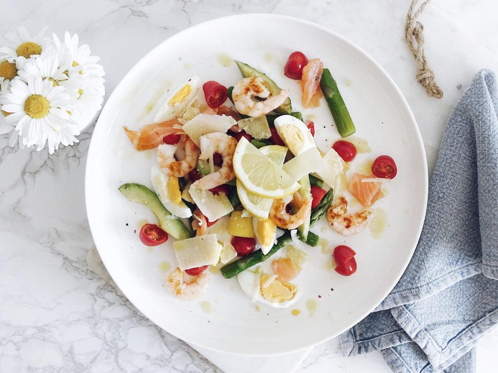 Spargelsalat mit Mango, Avocado, Lachs, Garnelen und Parmesan | 5 Lieblinge am Freitag | www.mammilade.blogspot.de | Personal Lifestyle Blog