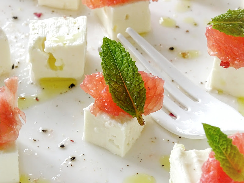 Sommer-Salat mit Feta, Grapefruit, Minze -  www.mammilade.blogspot.de - Fotoaktion 12von12 - 1 Tag in 12 Bildern