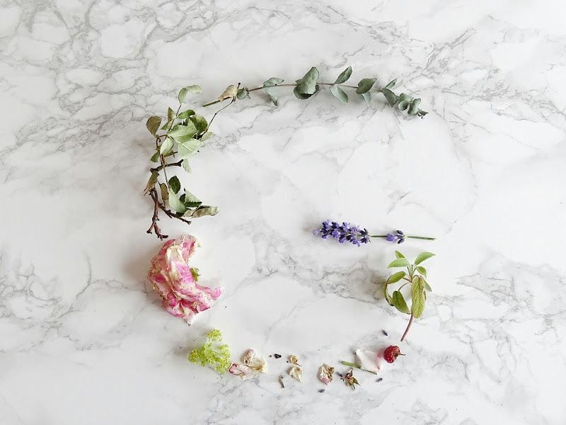 Kreativ mit welken Blüten -  www.mammilade.blogspot.de - Fotoaktion 12von12 - 1 Tag in 12 Bildern