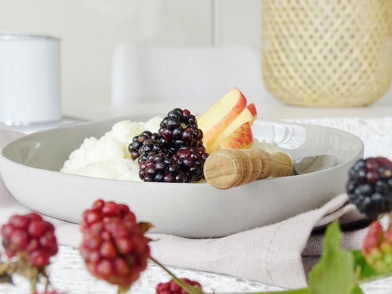 Milchreis mit Brombeeren und Apfel - https://mammilade.blogspot.de - 5 Lieblinge der Woche