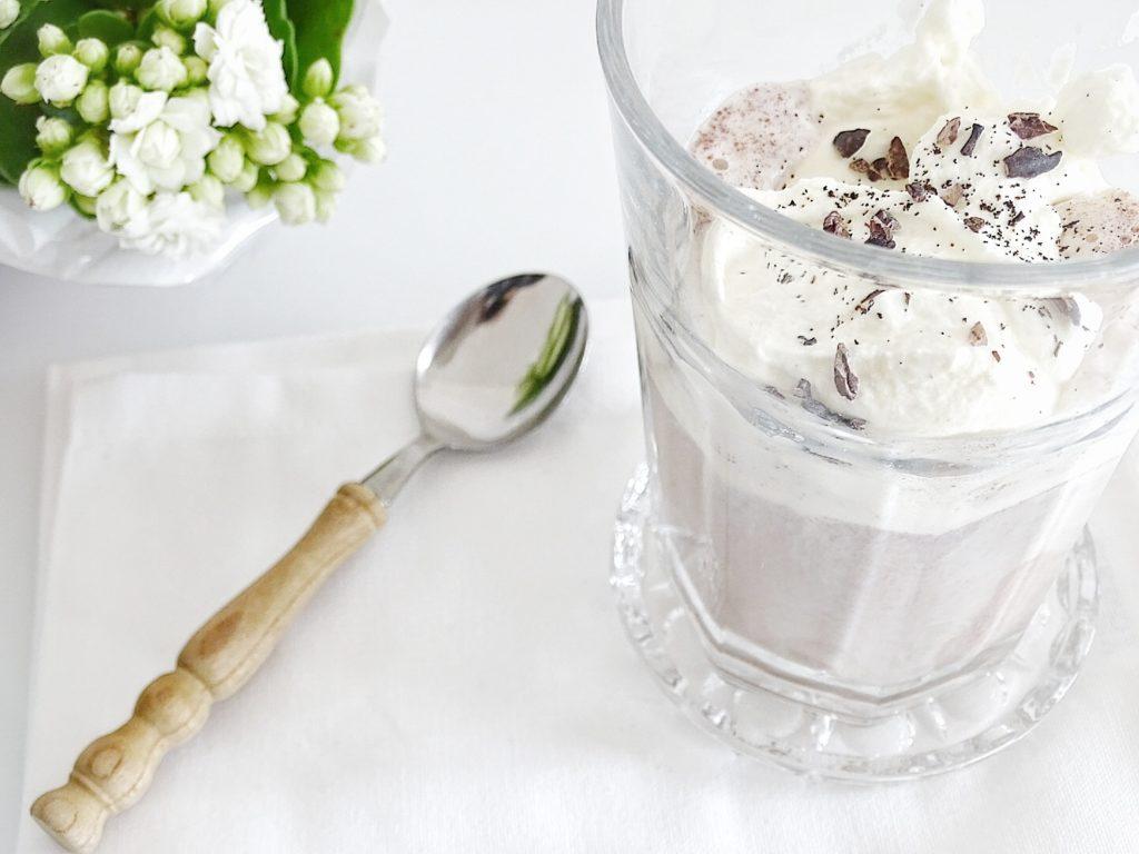 Kaffee oder Kakao mit Vanilleeis und einem Hauch Meersalz - 7 DIY-Nachmach-Ideen, Deko-Inspirationen und Rezepte für den Oktober - www.mammilade.blogspot.de