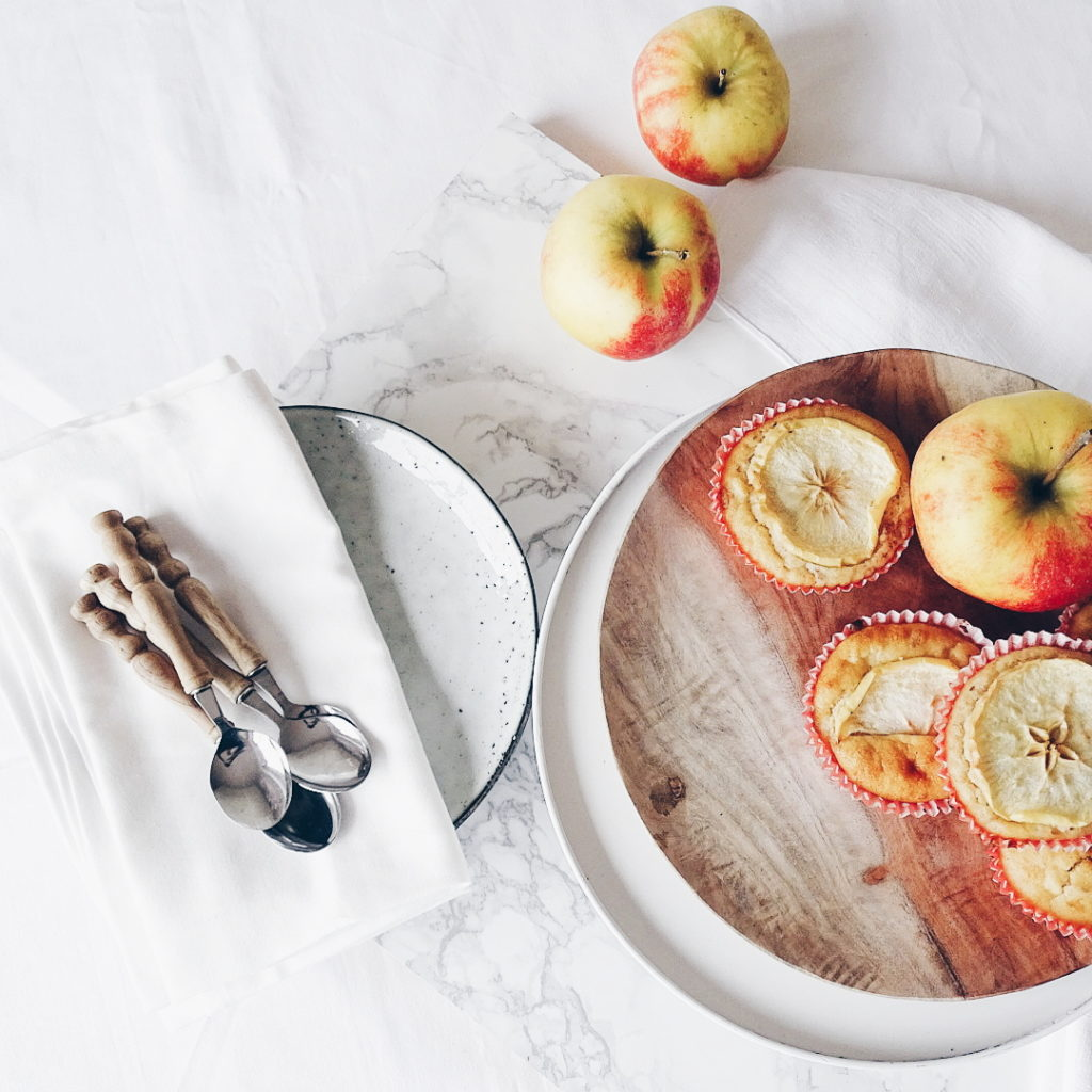 Apfelmuffins mit Datteln - 7 DIY-Nachmach-Ideen, Deko-Inspirationen und Rezepte für den Oktober - www.mammilade.blogspot.de