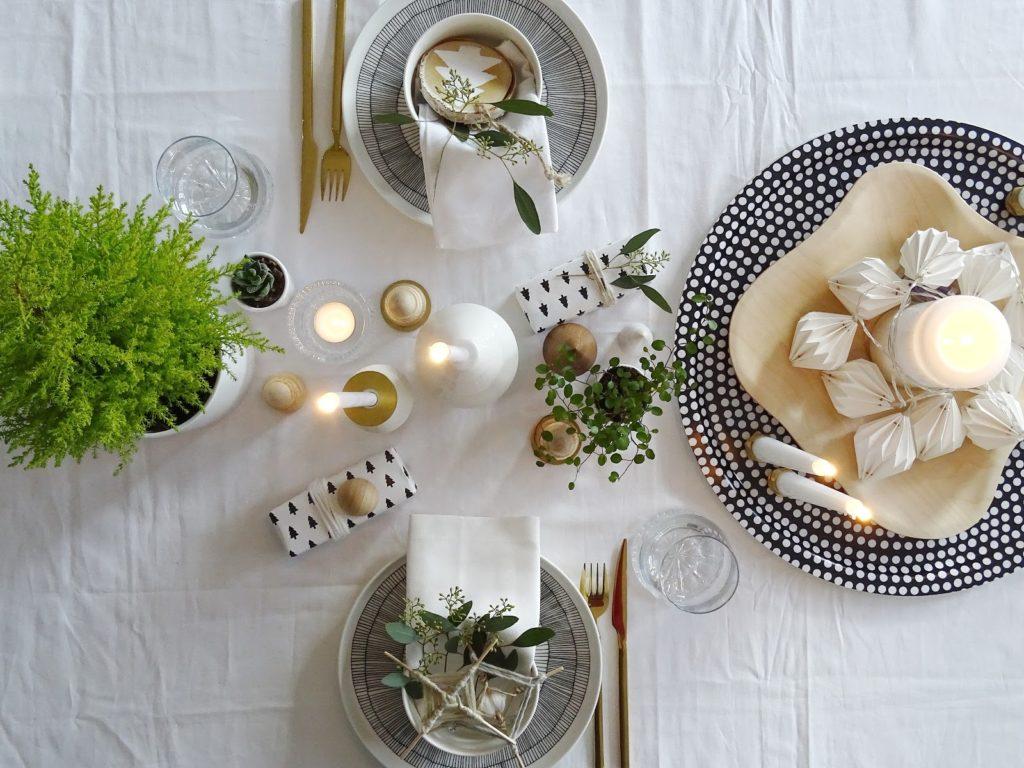 Festliche, skandinavisch-leichte Weihnachtstisch-Dekoidee - Lieblinge, Momente und Motive einer Woche - https://mammilade.blogspot.de