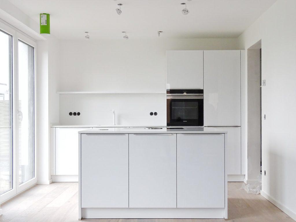 Unsere neue, moderne, weiße Küche - Fotoaktion #12von12 und 1 Tag in 12 Bildern - https://mammilade.blogspot.de