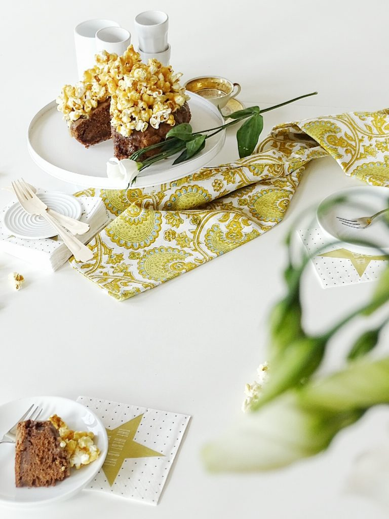 Popcorn-Schoko-Karamell-Kuchen - 10 DIY-Nachmach-Tipps, Ideen und Rezepte für den Januar - https://mammilade.blogspot.de