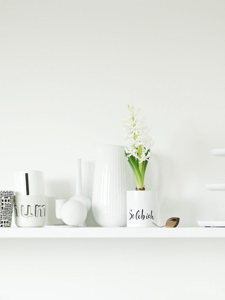 Frühlingsdekoidee im Küchenregal | Fotoaktion #12von12 und 1 Tag in 12 Bildern | https://mammilade.blogspot.de