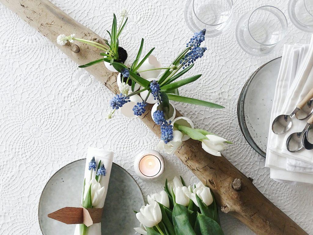 Eierschalen auf Holz als Vasen und Pflanzgefäße für Frühblüher | 20 DIY-Nachmach-Ideen und Rezepte für den März, den Frühling und Ostern | https://mammilade.blogspot.de