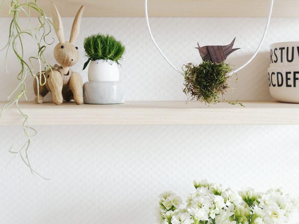 Geknoteter Papiervogel im Moosnest auf dem Draht-Ei | 20 DIY-Nachmach-Ideen und Rezepte für den März, den Frühling und Ostern | https://mammilade.blogspot.de
