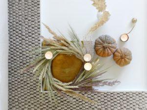 DIY-Herbstdeko: Kranz mit Gräsern, Getreide und Kerzen | mammilade.com