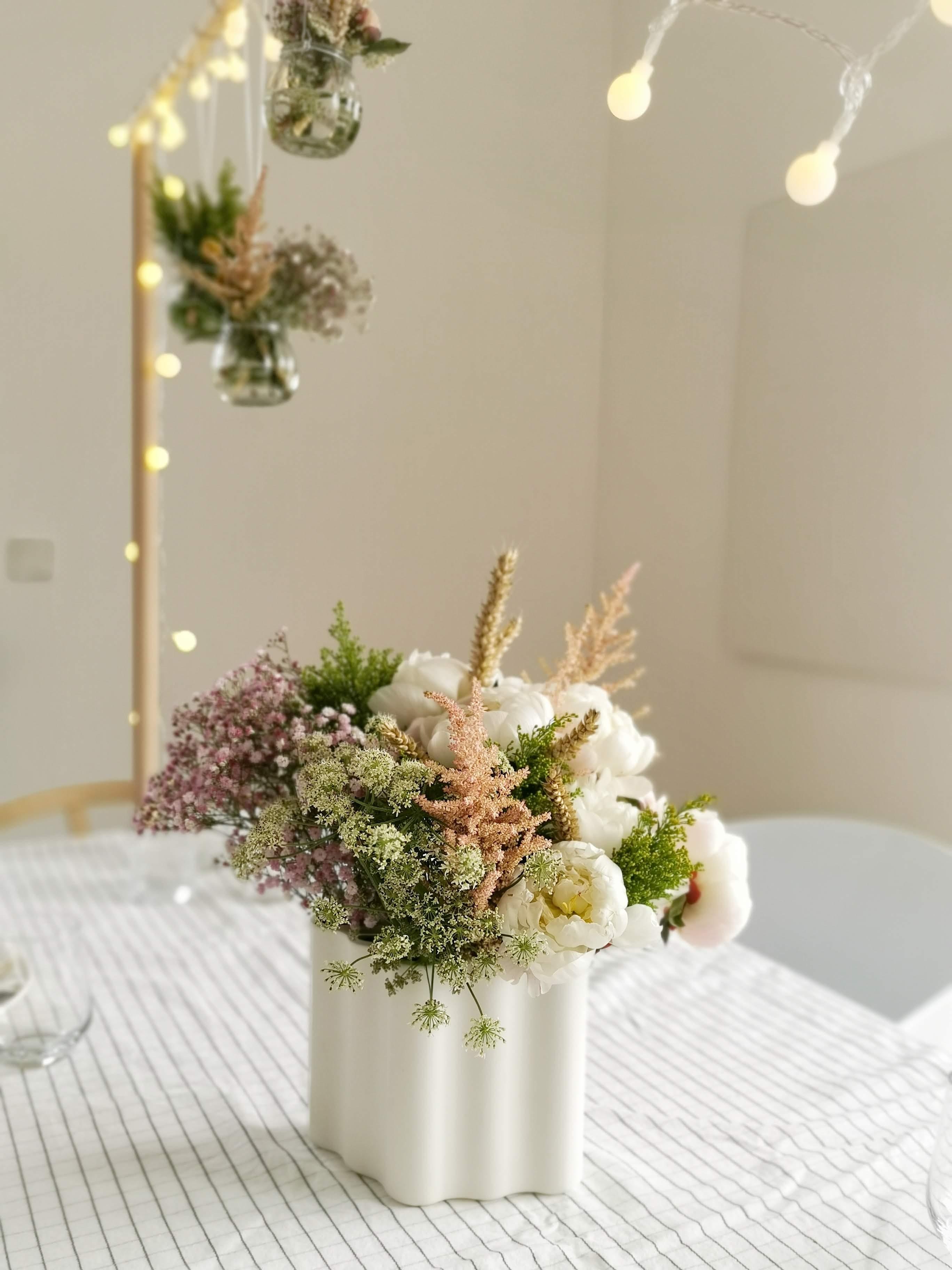 DIY-Tafelklemme für das Halten hängender Deko über dem Tisch | mammilade.com