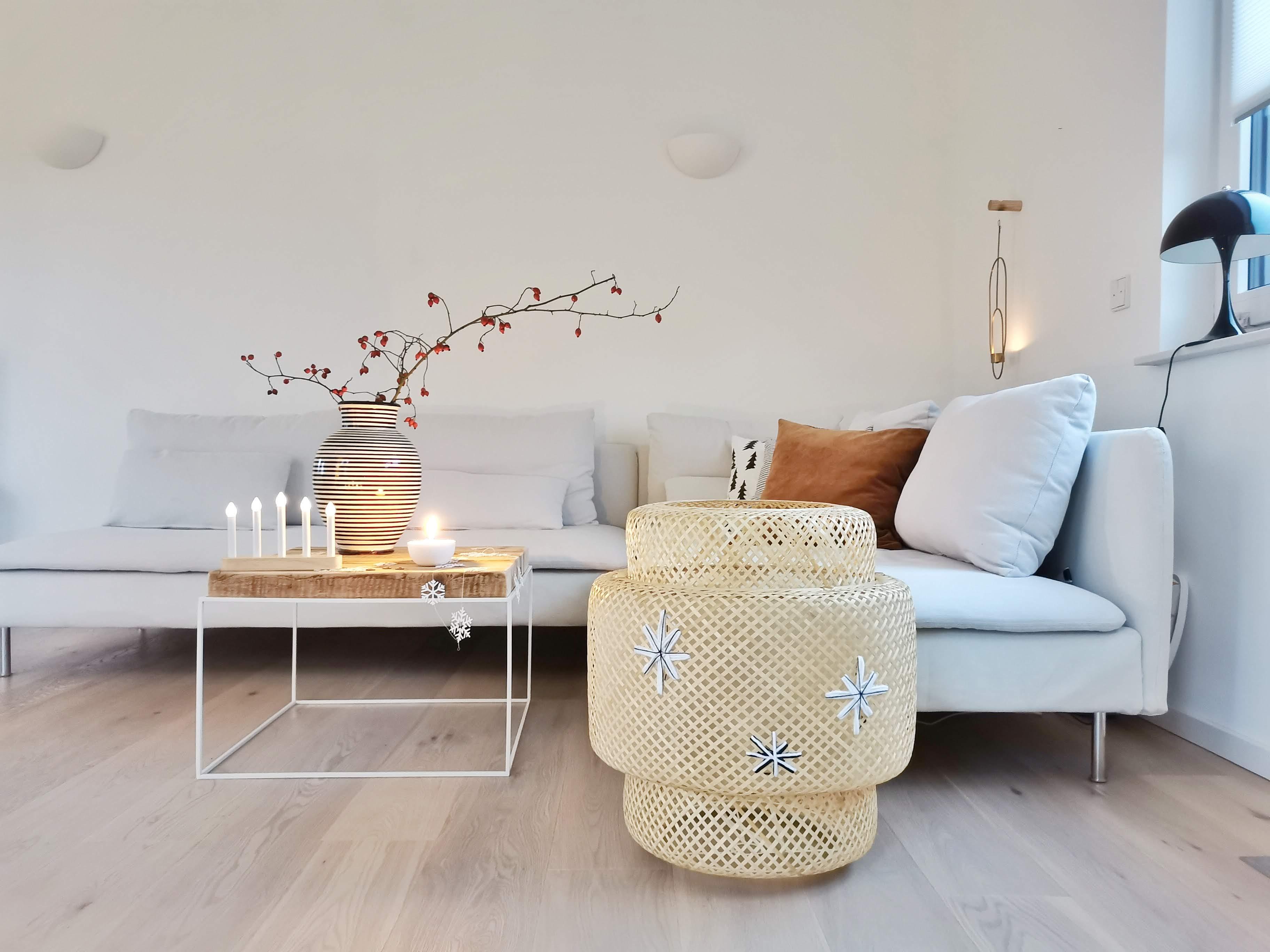 DIY-Bodenlampe aus einem Bast-, Bambus- oder Rattan-Lampenschirm weihnachtlich bestickt | mammilade.com