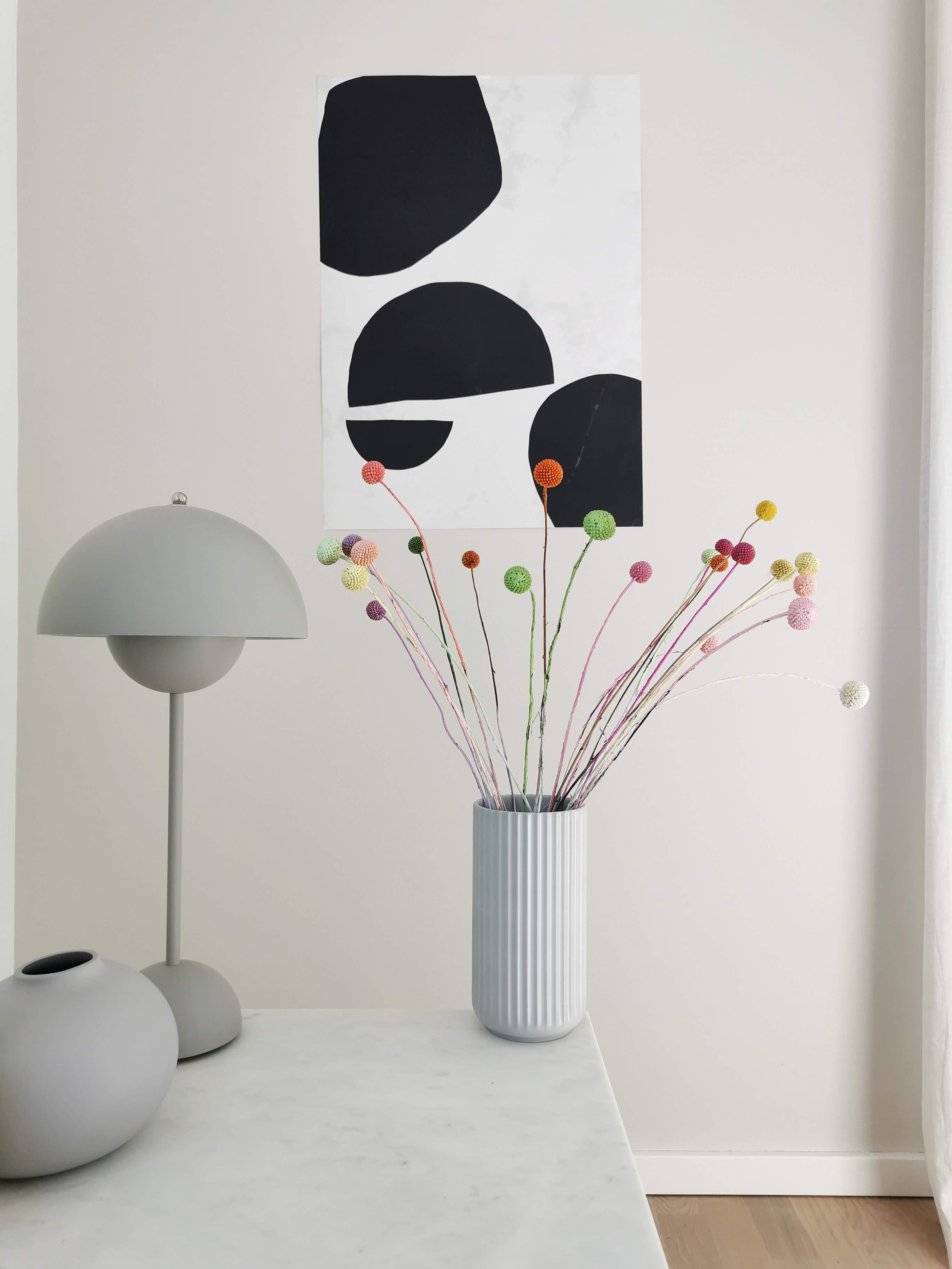 Kerzenständer mit Trockenblumen, bunten Craspedia und Gräsern aufhübschen | mammilade.com