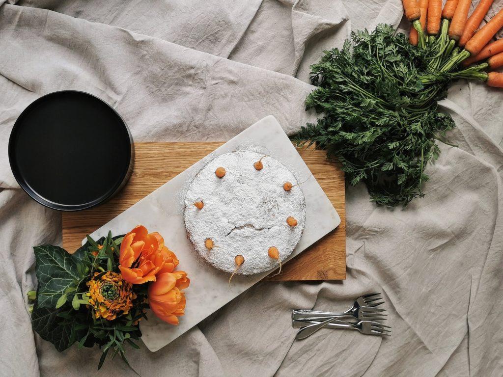 Moehrenkuchen-Back-Challenge mit Liz & Friends | Ein super-saftiger Karottenkuchen - mammilade.com